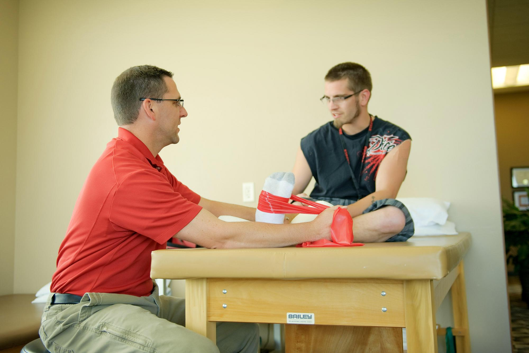 lincoln orthopedic physical male therapist