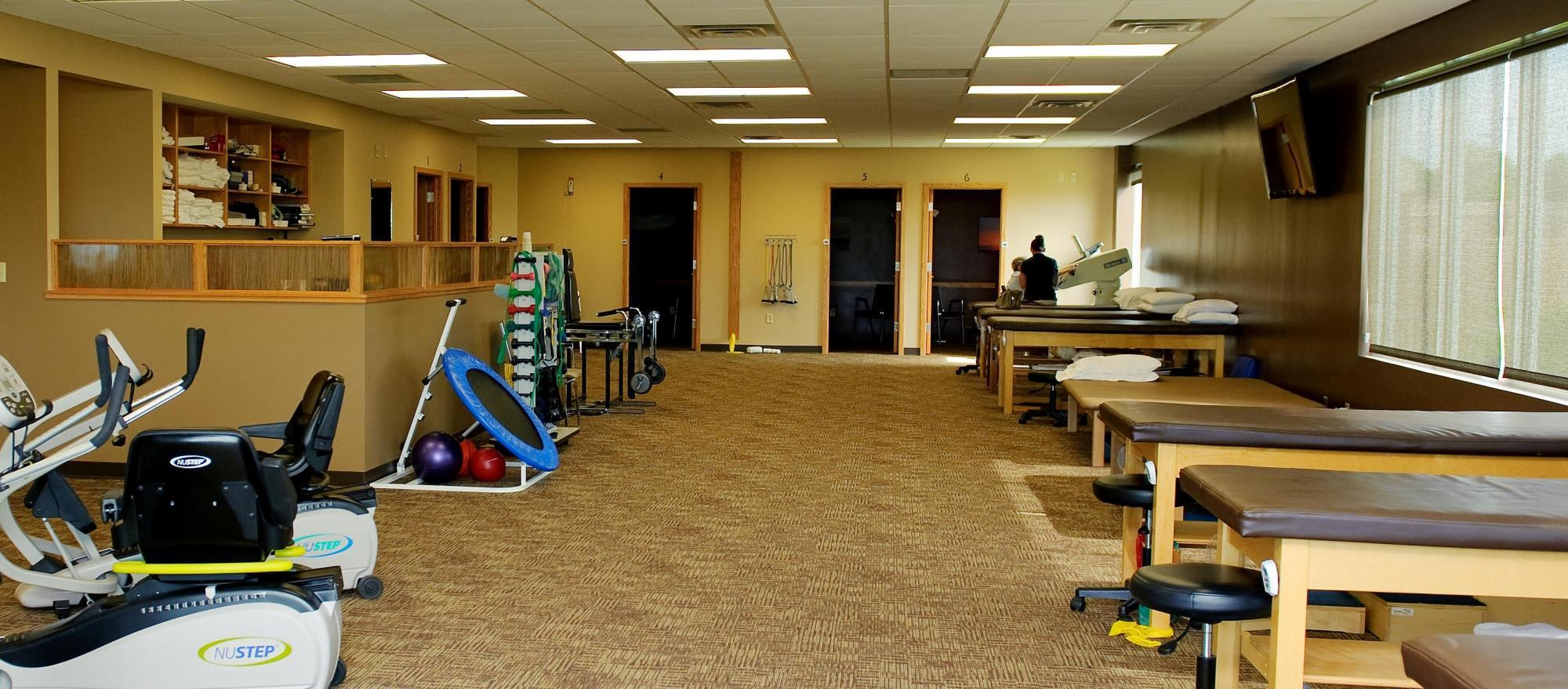 lincoln orthopedic physical therapy office interior